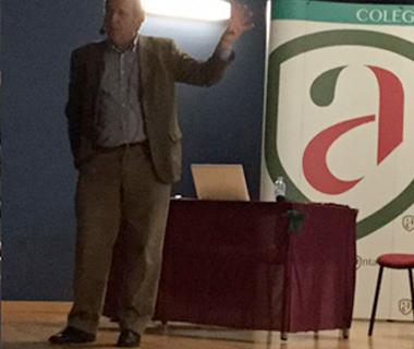 Carlos Represa imparte un taller sobre los retos socioeducativos de las familias en la era Digital