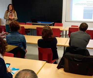 Alumnos, padres y profesores del Colegio Antamira reciben un taller para prevenir el consumo de alcohol