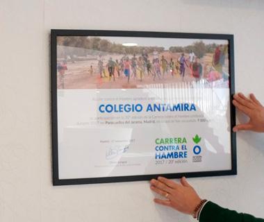 El Colegio Antamira recibe el reconocimiento de la ONG Acción contra el Hambre